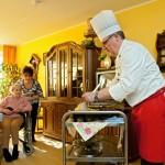 Kochen im Wohnbereich (Foto: Achim Pohl)
