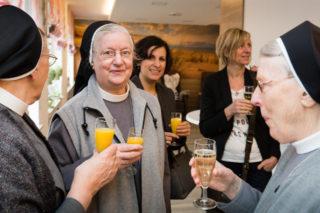 Auch die Schwestern der beiden Konvente am Gertrudis-Hospital feierten mit. (Foto: Beer/SMMP)